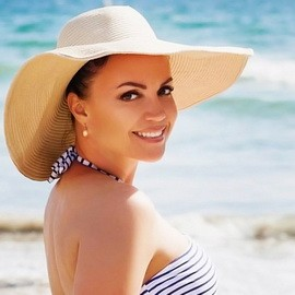 Hot bride Yulia, 41 yrs.old from Saint Petersburg, Russia