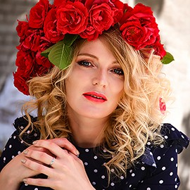 Charming bride Lana, 35 yrs.old from Pskov, Russia