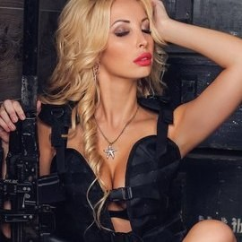 Single lady Nina, 25 yrs.old from St. Peterburg, Russia