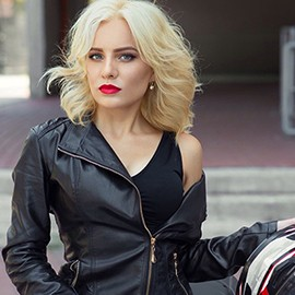 Single girl Yulia, 21 yrs.old from Odessa, Ukraine