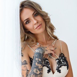Amazing bride Anna, 24 yrs.old from Zolochiv, Ukraine