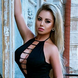Charming mail order bride Julia, 24 yrs.old from Kiev, Ukraine