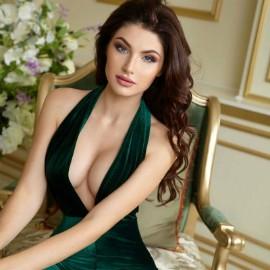Single girl Oksana, 25 yrs.old from Kiev, Ukraine