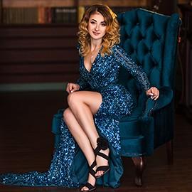 Amazing bride Alina, 35 yrs.old from Donetsk, Ukraine