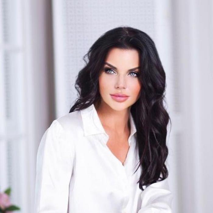Gorgeous woman Svetlana, 45 yrs.old from Saint-Petersburg, Russia