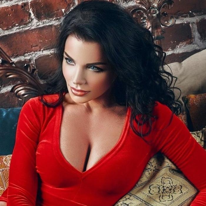 Charming wife Svetlana, 45 yrs.old from Saint-Petersburg, Russia