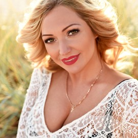 Gorgeous woman Julia, 40 yrs.old from Berdyansk, Ukraine