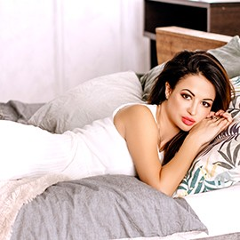 Gorgeous bride Viktoria, 35 yrs.old from Simferopol, Russia