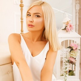 Gorgeous mail order bride Anna, 37 yrs.old from Kiev, Ukraine