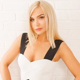 Single bride Anna, 37 yrs.old from Kiev, Ukraine