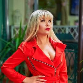 Sexy wife Elena, 35 yrs.old from Odessa, Ukraine