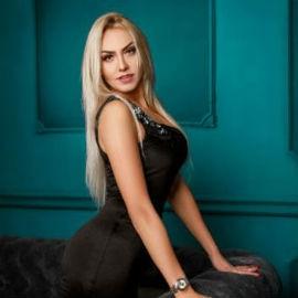 Charming bride Yana, 36 yrs.old from Kropivnitsky, Ukraine