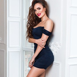 Beautiful bride Elena, 35 yrs.old from Kyiv, Ukraine