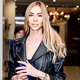 Charming girlfriend Victoriya, 35 yrs.old from Zaporozhye, Ukraine