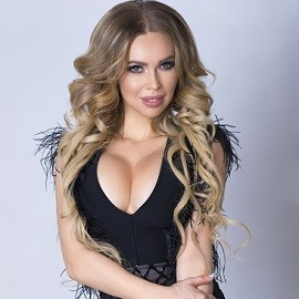 Pretty wife Elena, 39 yrs.old from Simferopol, Russia
