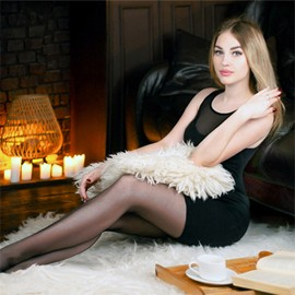 Hot woman Viktoriya, 19 yrs.old from Sumy, Ukraine