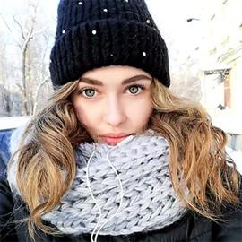 Hot mail order bride Viktoriya, 19 yrs.old from Sumy, Ukraine