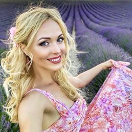 Pretty girlfriend Elena, 35 yrs.old from Kiev, Ukraine