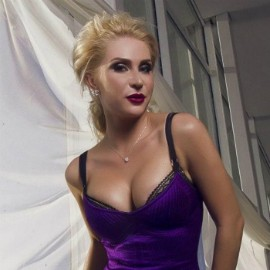 Pretty miss Oksana, 36 yrs.old from Kiev, Ukraine