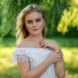 Single girlfriend Anastasiya, 29 yrs.old from Dneprorudnui, Ukraine