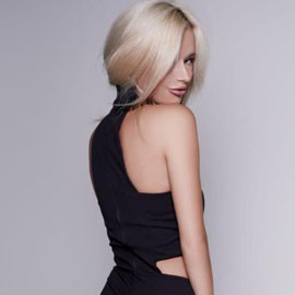 Charming mail order bride Zoya, 31 yrs.old from Kiev, Ukraine