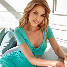 Gorgeous bride Olga, 32 yrs.old from Novosibirsk, Russia