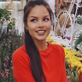 amazing bride Elizaveta, 27 yrs.old from St. Petersburg, Russia