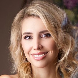 Beautiful woman Alena, 30 yrs.old from Florence, Italy