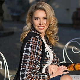 Pretty woman Alena, 30 yrs.old from Florence, Italy