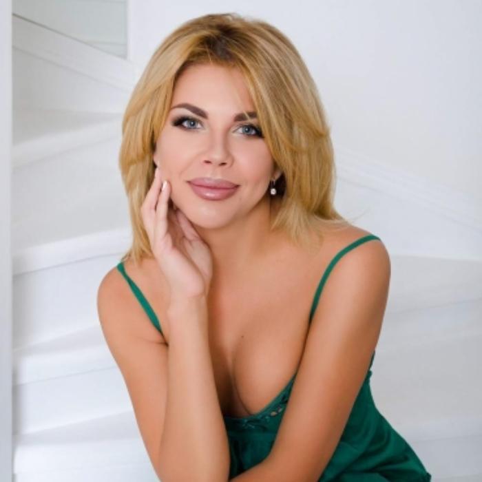 Beautiful miss Yuliya, 34 yrs.old from Nikopol, Ukraine
