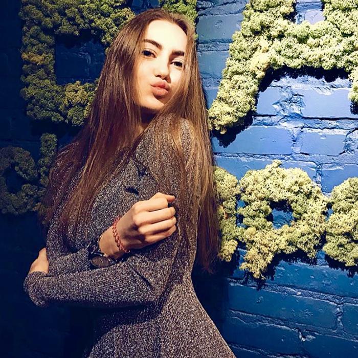 Amazing bride Alisa, 21 yrs.old from Gorishnie Plavni, Ukraine