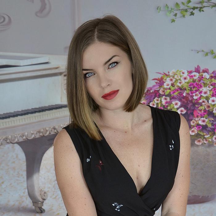 Hot girlfriend Elena, 32 yrs.old from Sevastopol, Russia