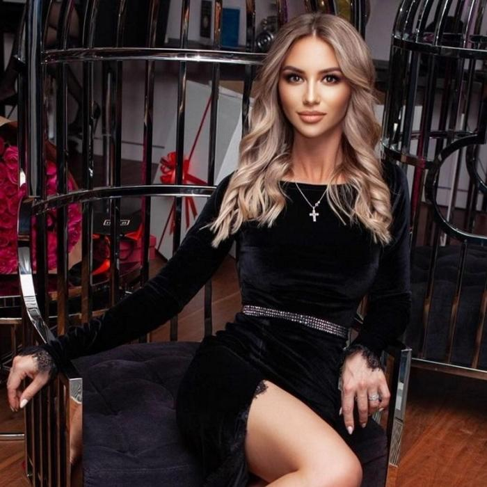 Gorgeous bride Angela, 27 yrs.old from Chita, Russia