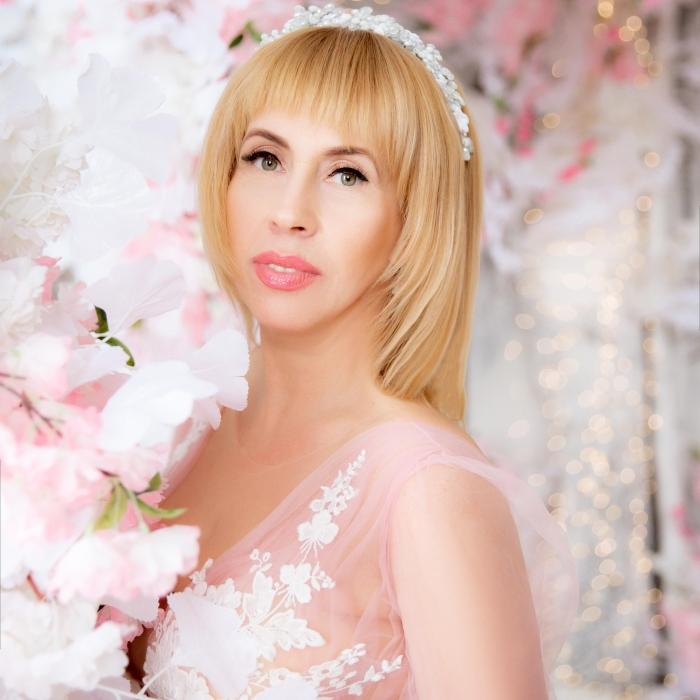Charming girl Svetlana, 48 yrs.old from Kiev, Ukraine