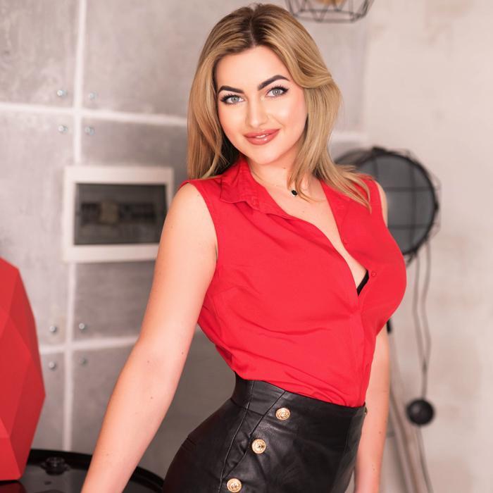 Pretty wife Yulia, 28 yrs.old from Berdyansk, Ukraine