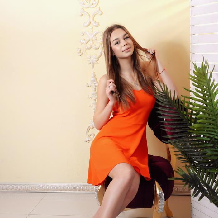 Amazing bride Julia, 18 yrs.old from Kharkov, Ukraine