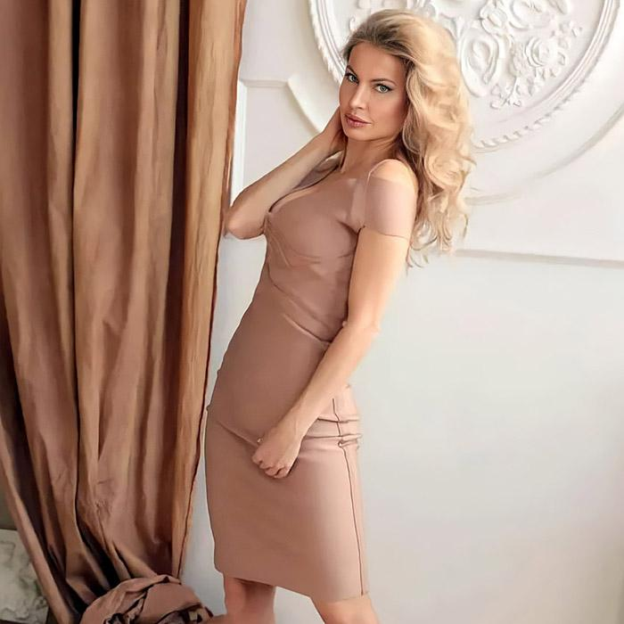 Amazing mail order bride Oksana, 43 yrs.old from Rostov-on-Don, Russia