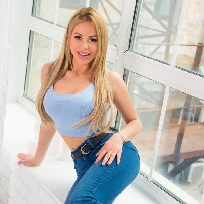 Pretty wife Anna, 24 yrs.old from Odessa, Ukraine