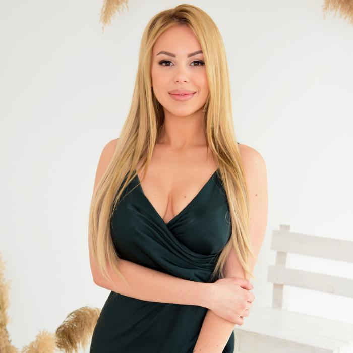 Gorgeous wife Anna, 24 yrs.old from Odessa, Ukraine