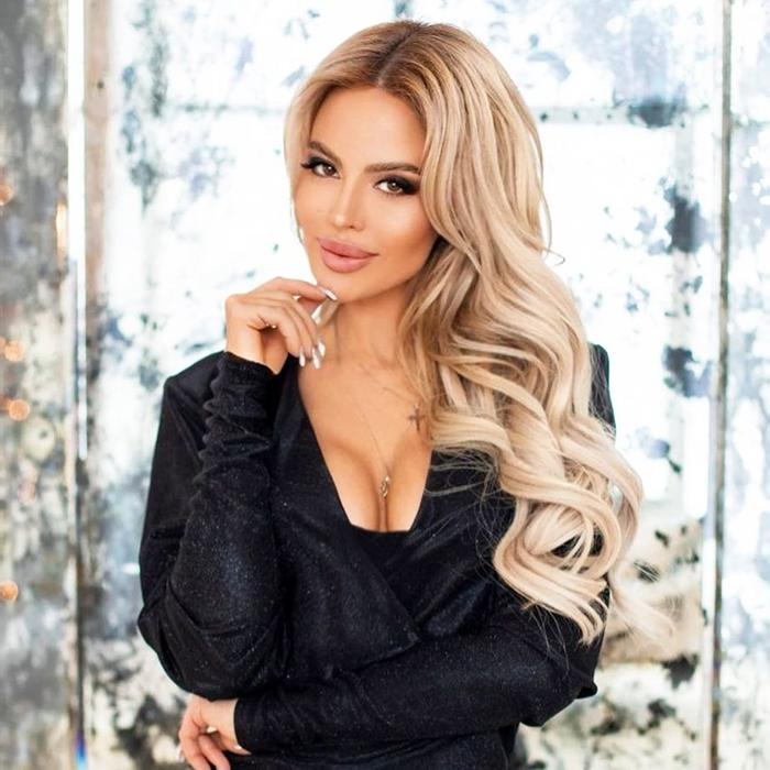 nice bride Eleonora, 35 yrs.old from Saint Petersburg, Russia