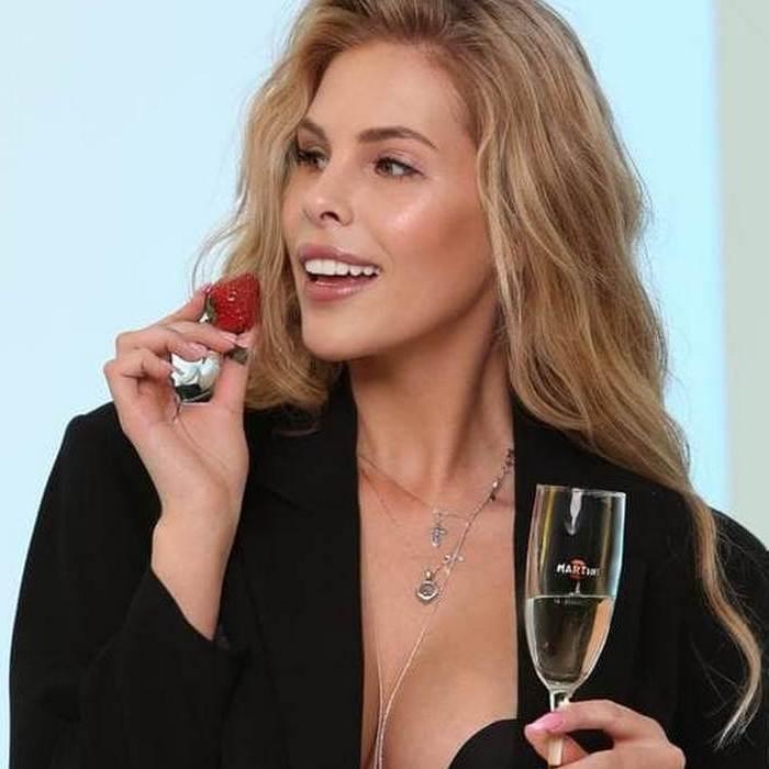Hot wife Mariya, 29 yrs.old from St. Petersburg, Russia