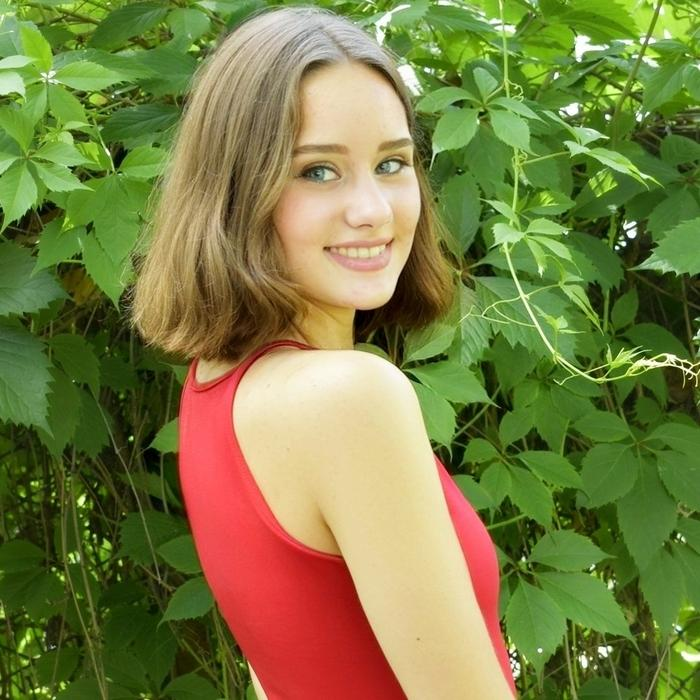 gorgeous lady Diana, 19 yrs.old from Kherson, Ukraine