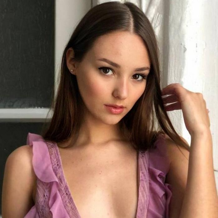 Charming girlfriend Yuliya, 20 yrs.old from Kherson, Ukraine