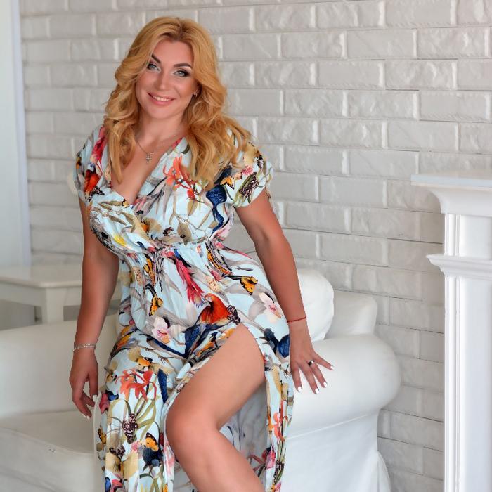 Sexy bride Larisa, 40 yrs.old from Kharkov, Ukraine