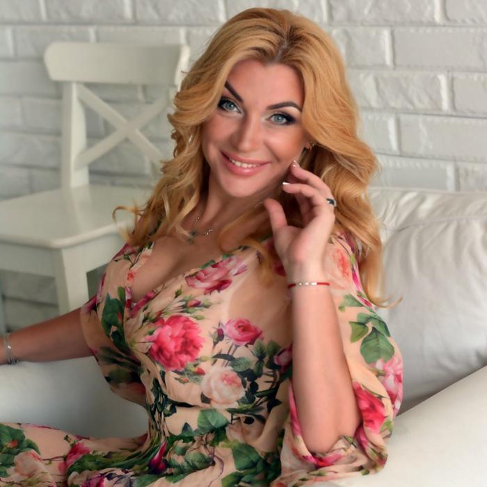 Amazing bride Larisa, 40 yrs.old from Kharkov, Ukraine