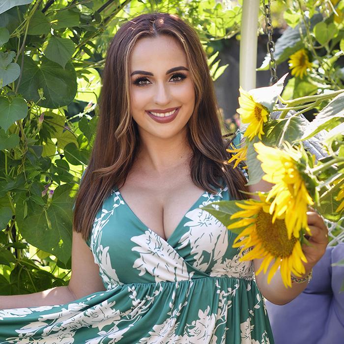 Charming bride Marina, 34 yrs.old from Kharkov, Ukraine
