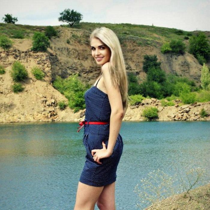 Gorgeous bride Yulia, 32 yrs.old from Kiev, Ukraine