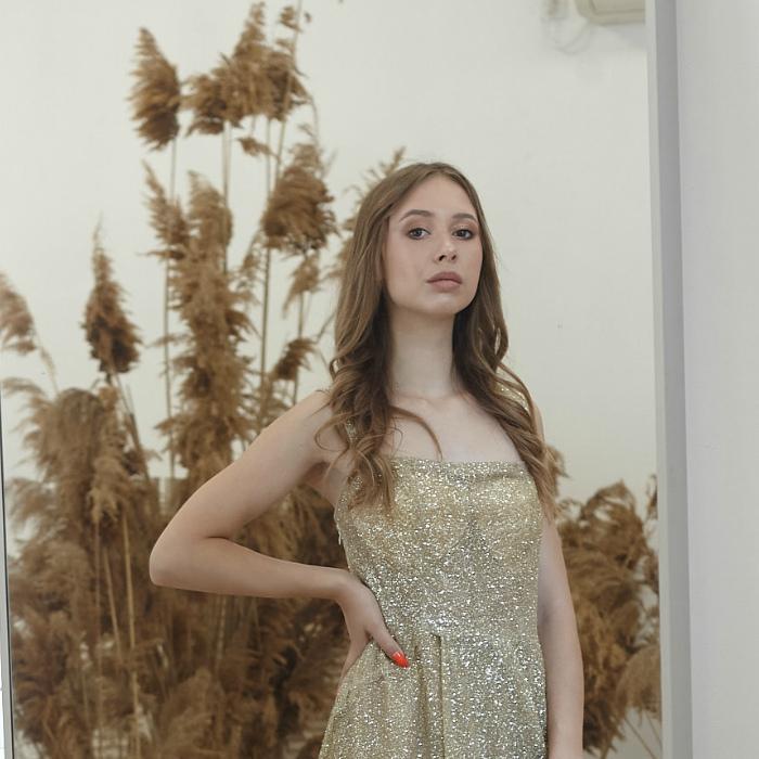 Pretty miss Dariya, 18 yrs.old from Pavlovskiy Posad, Russia