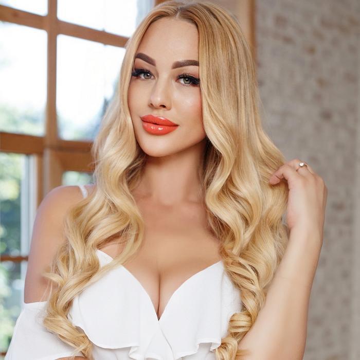 Single miss Anna, 39 yrs.old from Kiev, Ukraine