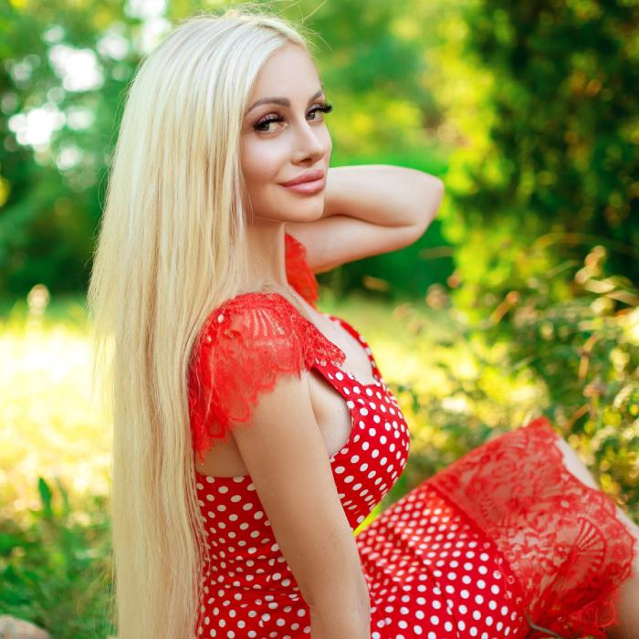 Nice mail order bride Irina, 38 yrs.old from Yevpatoria, Russia